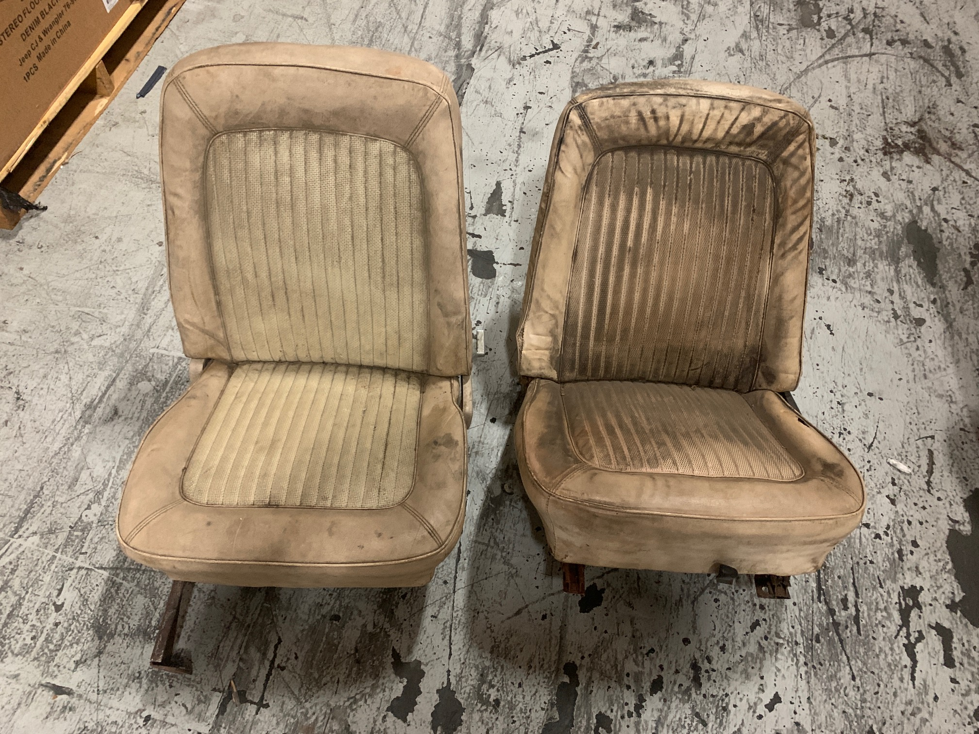 Image for product CLONED-1002-4front-oe-green-houndstooth-bucket-seats-1