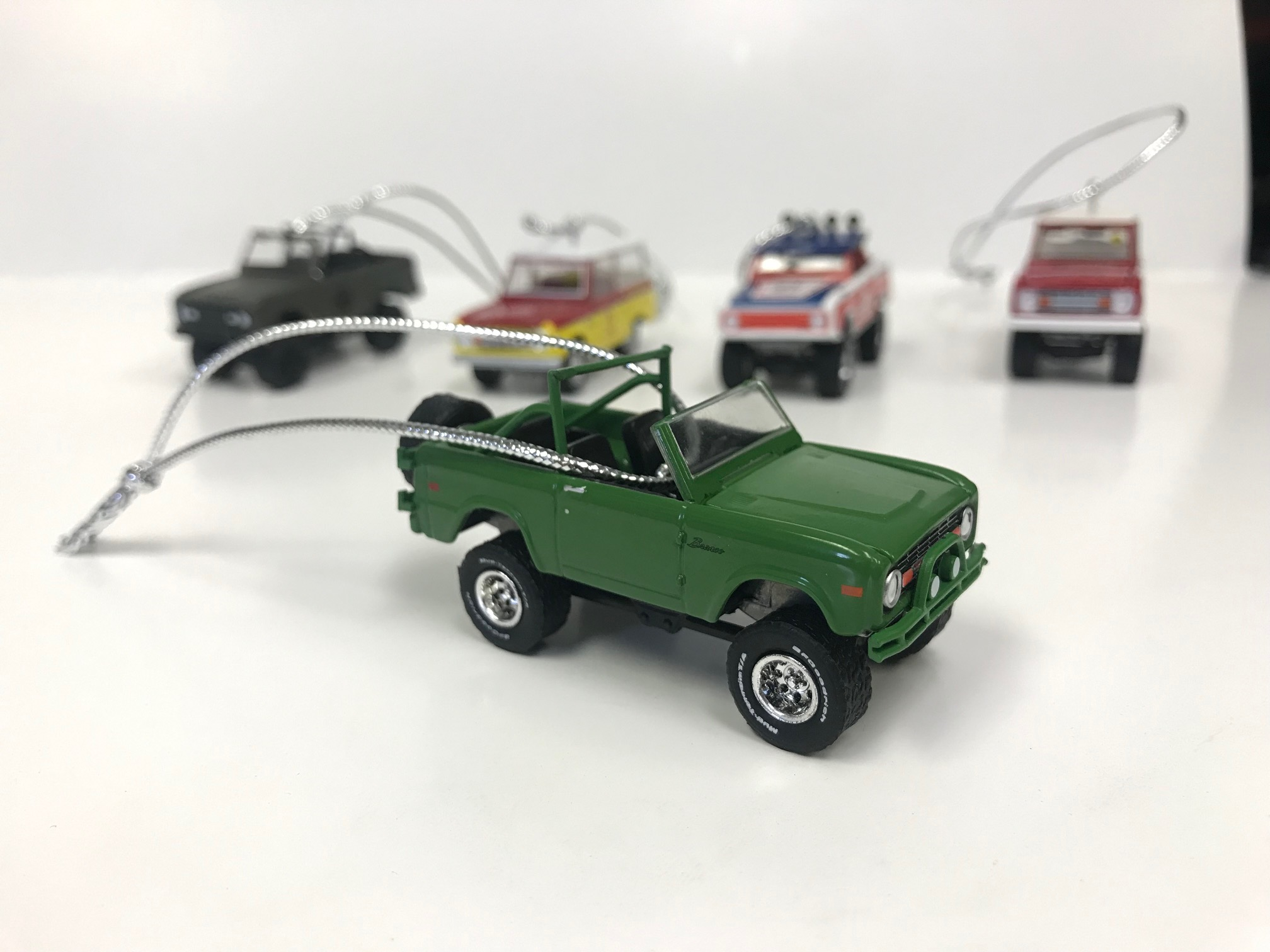 Christmas Ornament - 1971 Ford Bronco, Green BFG, 1:64 Die Cast
